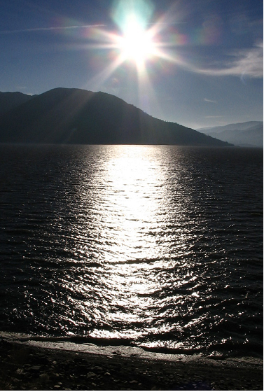 Afternoon sun from Lake Isabella's North Shore.